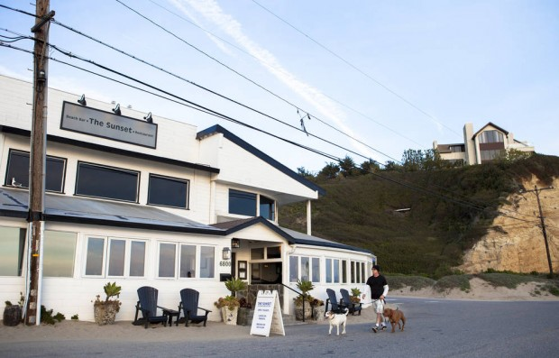 0_4500_0_2882_one_beach-bar-the-sunset-restaurant-malibu-kalmbach020