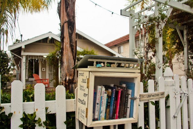 0_5094_0_3396_one_little-free-library-frontyard-staniloff013