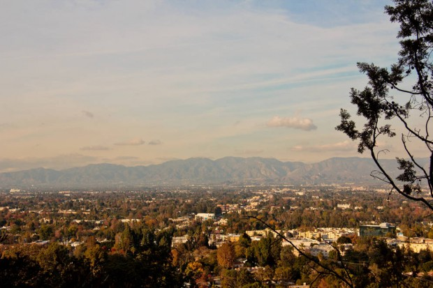 0_5184_0_3456_one_los-angeles-sprawl-mountains-haze-trees-staniloff062