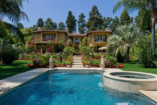 Dr-Phil-Beverly-Hills-Home-Photo-by-Marc-Angeles