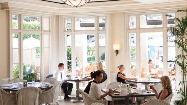 tllax-dining-terrace-1680-945