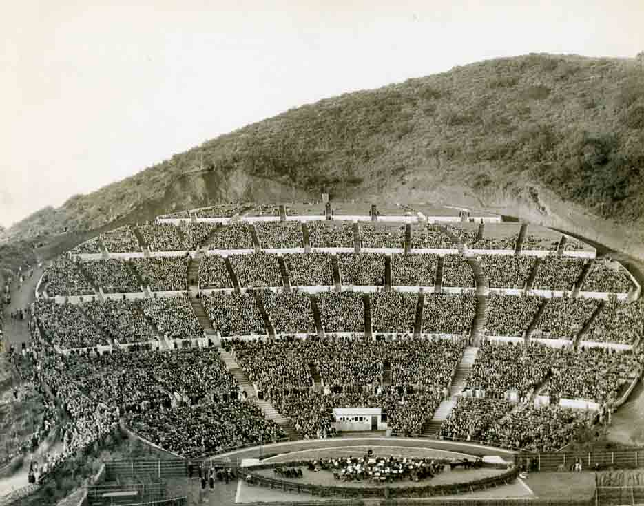 A Brief History Of The Hollywood Bowl In Postcards The