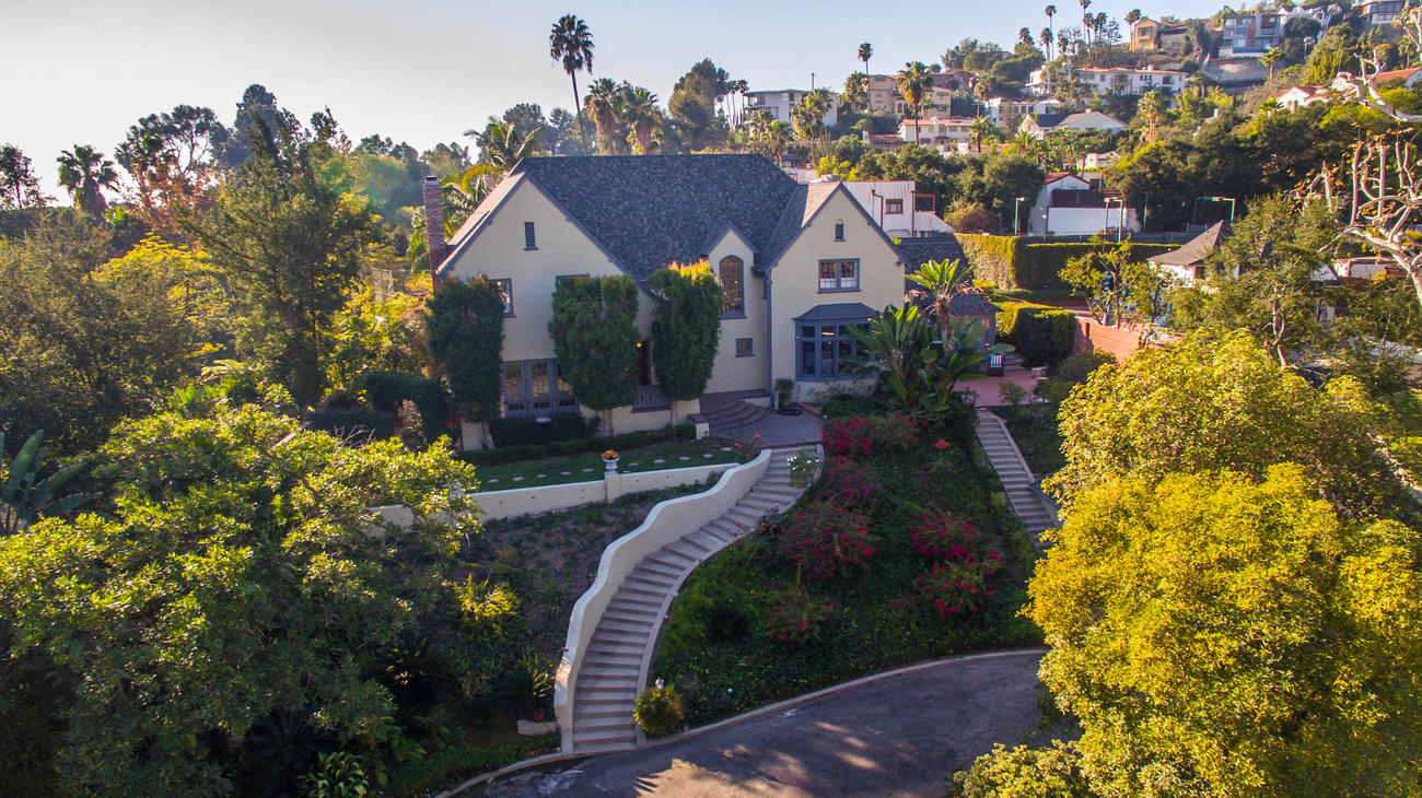 English Style Tudor Estate In Los Feliz 2421 Glendower Ave The Hollywood Home
