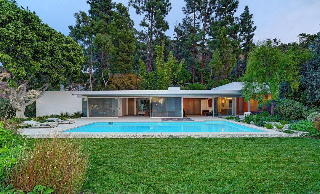 Echo Lake Ca >> Richard Neutra's Mid-Century Loring House - 2456 Astral ...